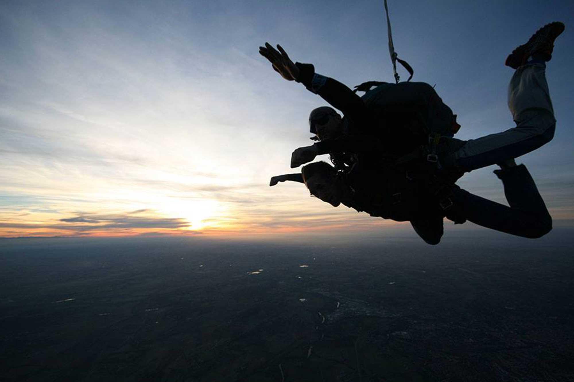 saut-parachute-tandem-aubenas-en-ardeche-drome